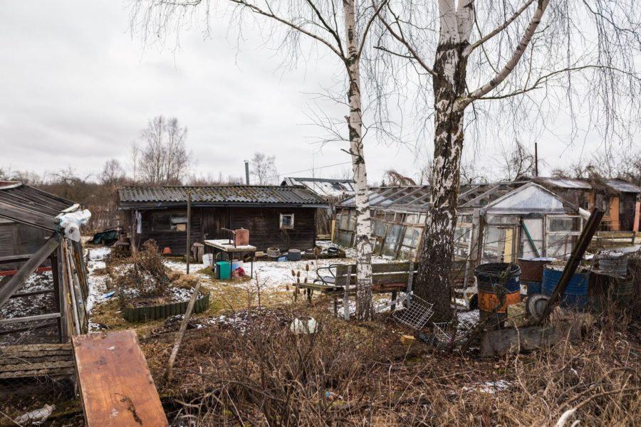 Hüljatud linna südames: tühjad tänavad ja põlenud majakesed